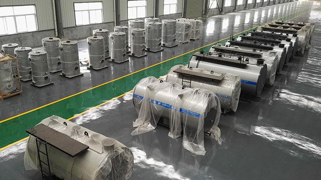 Industrial Oil Hot Water Boiler Sufficient Heated Surface 0.35 -7.0MW Rated Heat Capacity